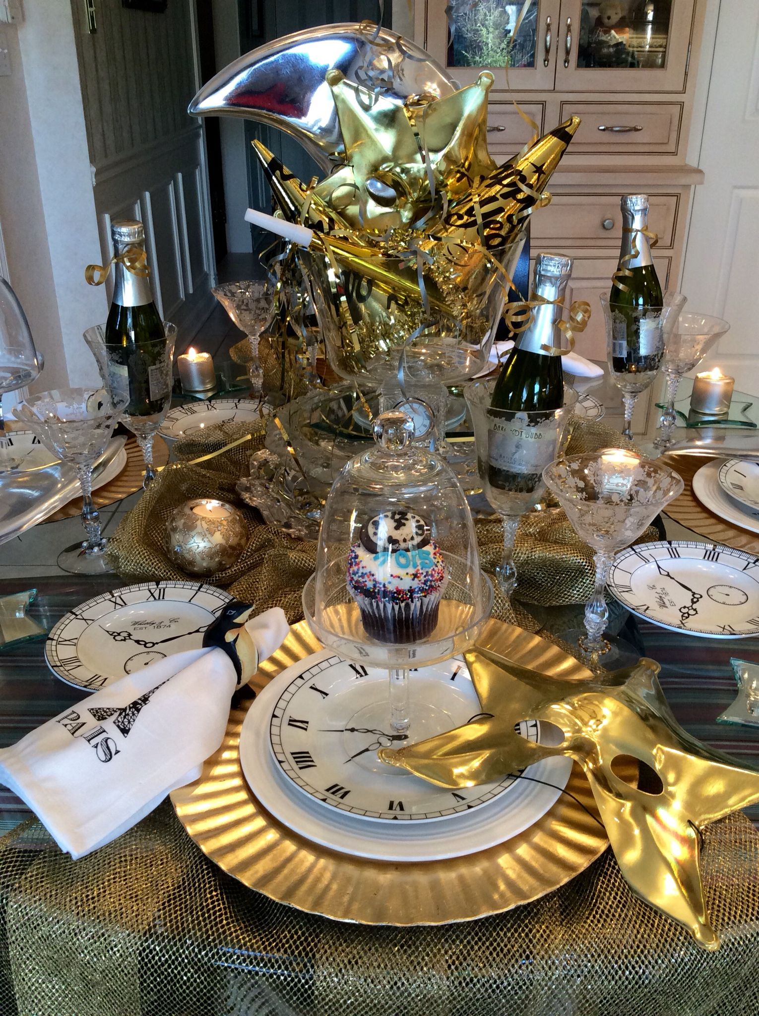 Celestial Tablescape Rings in New Year | Tablescapes, New ...