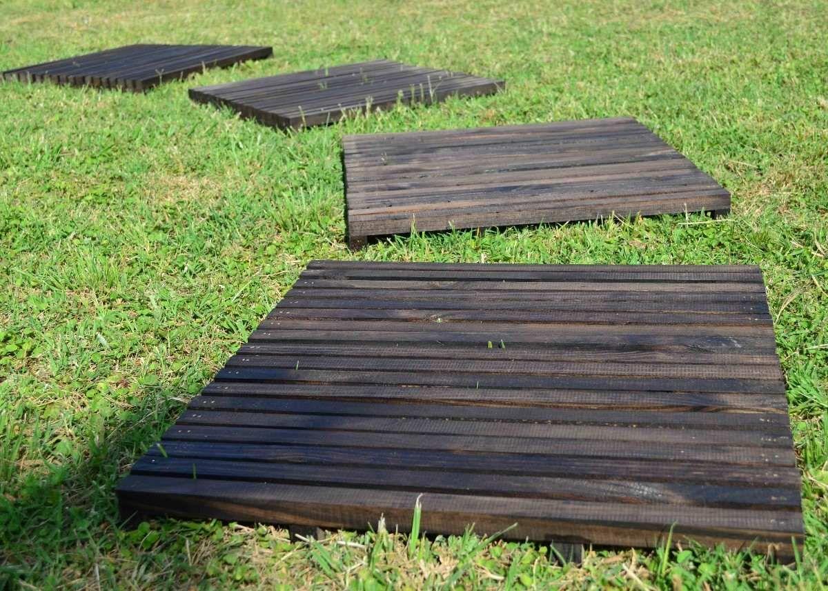 Deck de madera baldosa de listones pino misionero tratado for Listones madera exterior