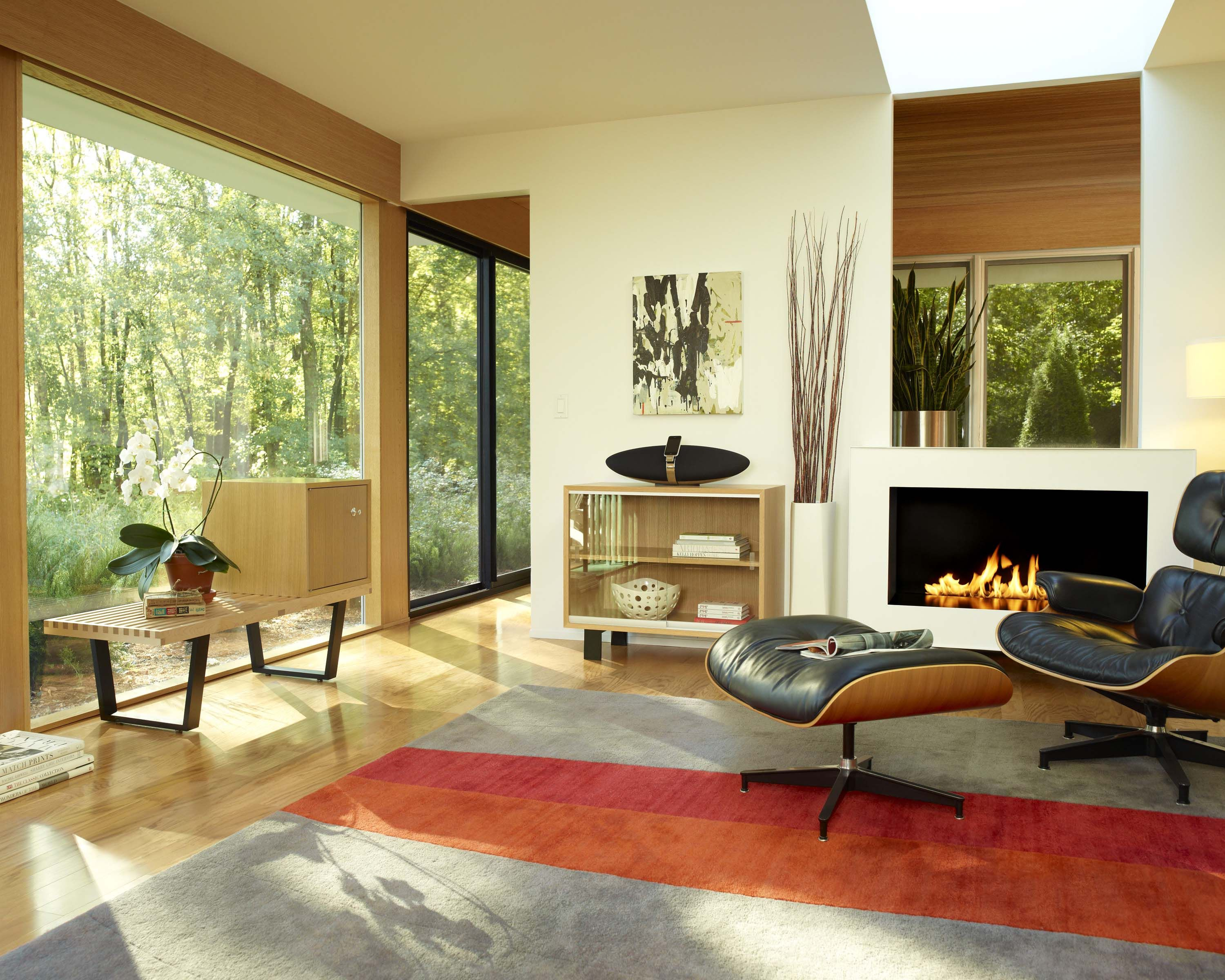 Eames lounge chair living room - Beautiful Modern Interior Design Eames Lounge Chair And Ottoman Fireplace George Nelson Bench
