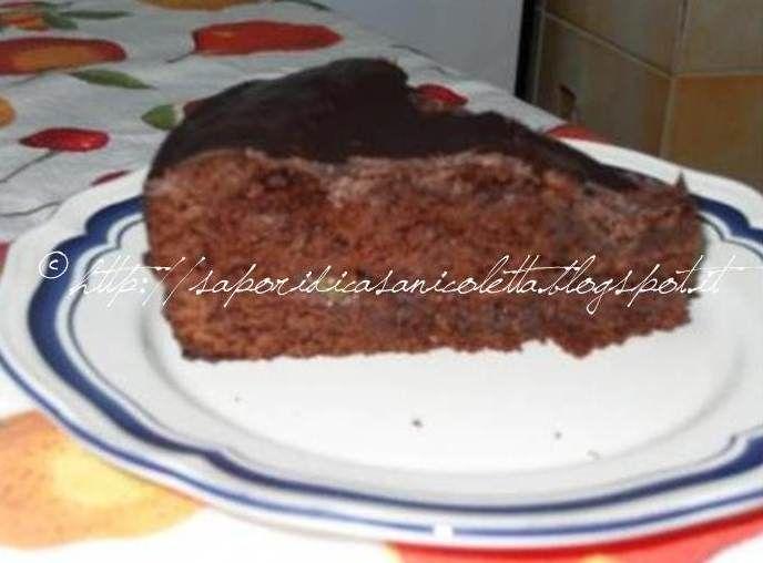 Sacher Torte  http://saporidicasanicoletta.blogspot.it/2013/04/sacher-torte.html