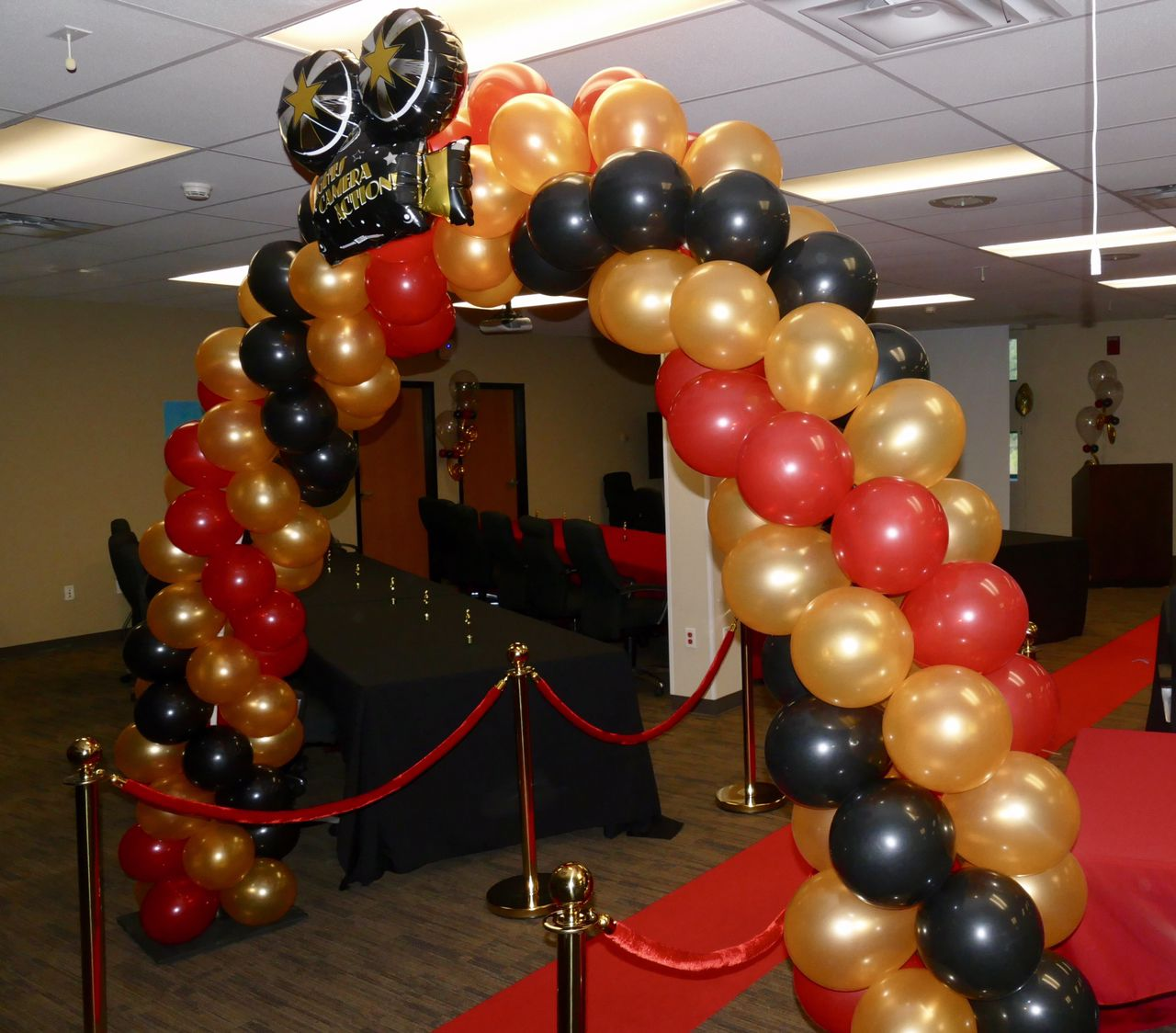 Hollywood Party Ideas Balloon Arches Red Gold And Black Party