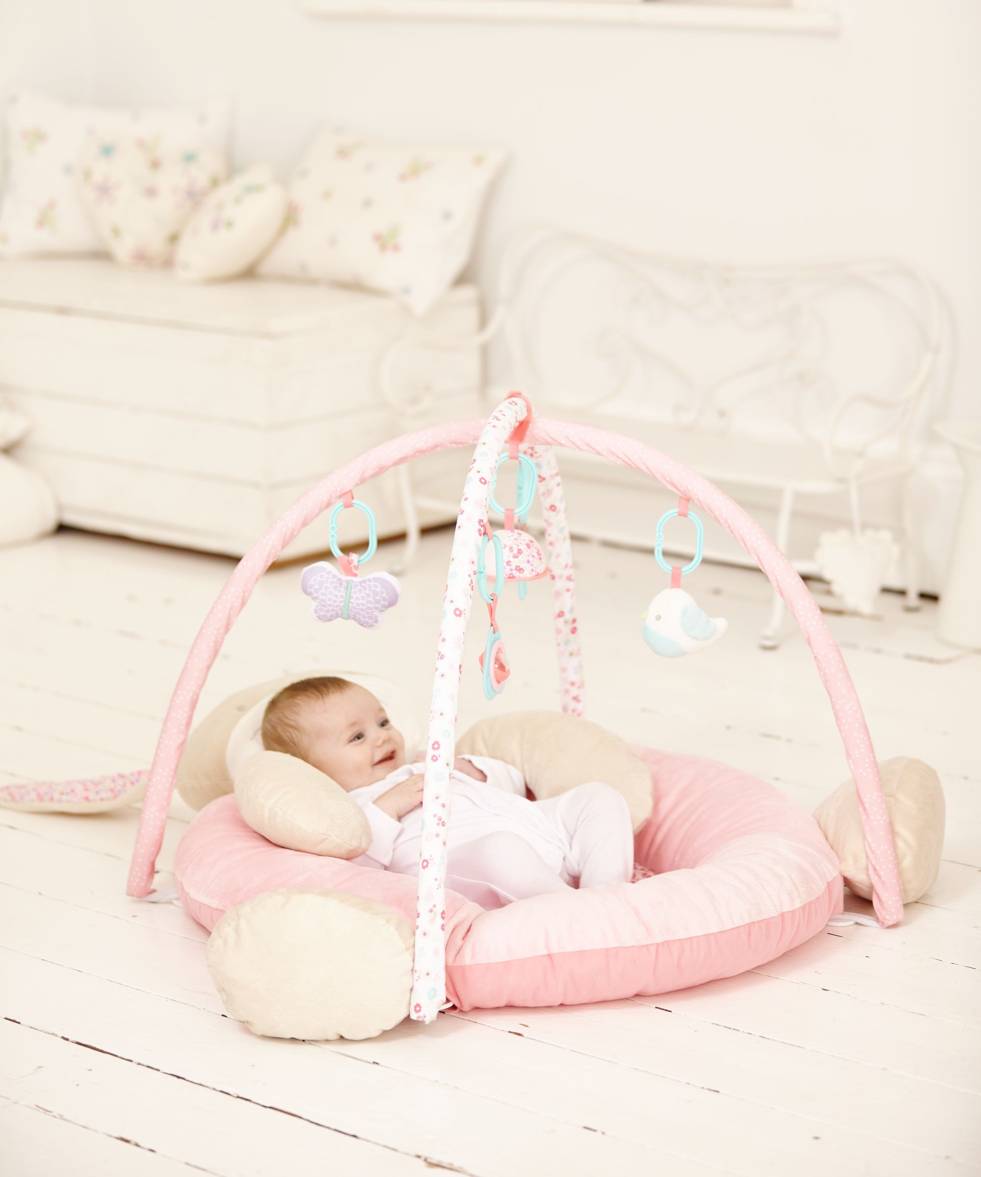 GIRL FOLD AND GO CRIB | ... Station Deluxe, Comfy Cove Swing, and ...