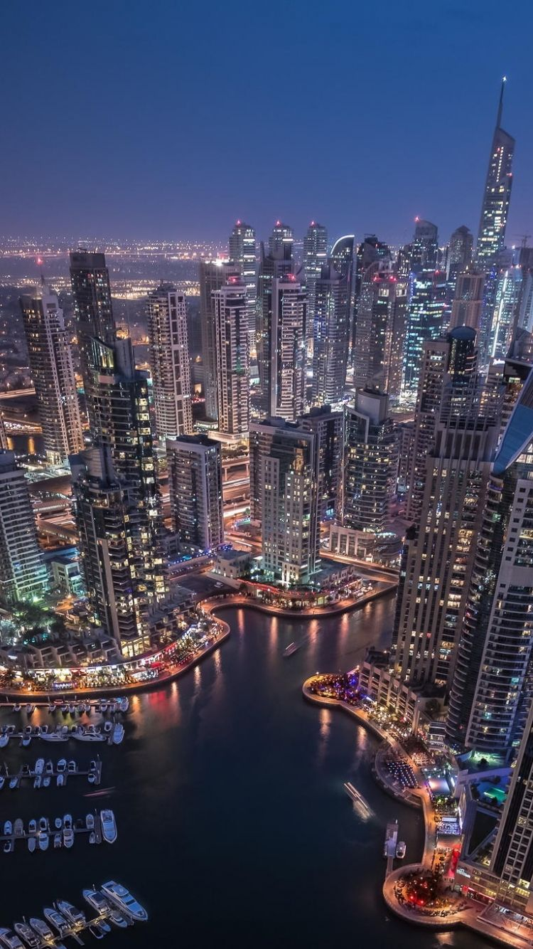 Pin By Eva Retfalvi On Dubai Abu Dhabi Uae Dubai Skyline New York Skyline