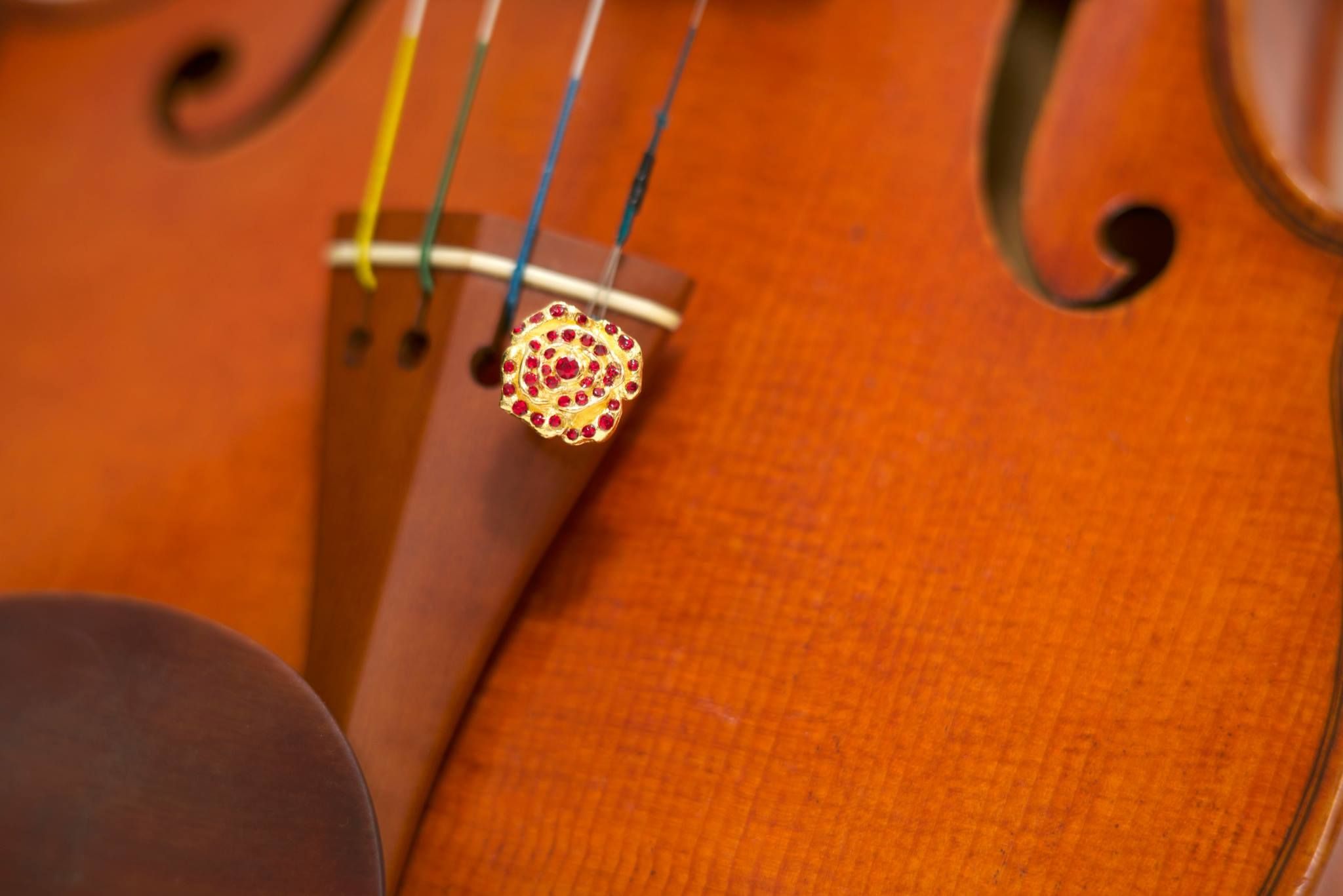 Pavé Rose fine tuner for Violin, Viola and Cello by