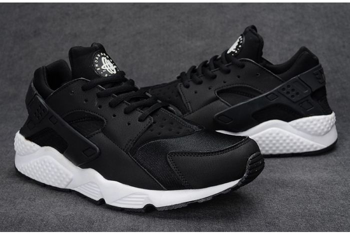 nike huarache black and white mens