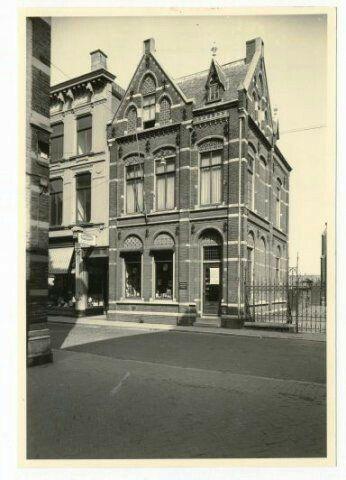 Ginnekenstraat 15-05-1955. breda