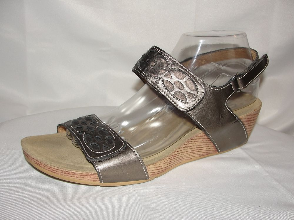 752b47c910a CLARKS Bendables Shoes Women s Sz 9W 65833 Bronze Leather Wedge Heel Sandals   Clarks  PlatformsWedges  Casual