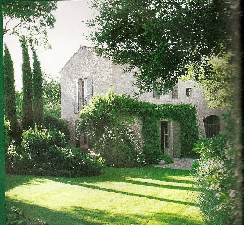 Shabby chic interiors il sogno continua giardini di for Case bellissime esterni