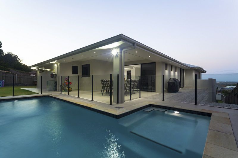 Advantages Of Having A Glass Pool Fencing For Your Backyard Home