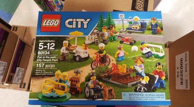 @brickortreats here with a Friday morning report. This just came off a truck at TRU today. There are other new sets as well. I am just awaiting info. Not sure of street date or price yet but will post update in a bit. #haulingandballing #haulingandballinghq #haulingandballingarmy #haulingandballingdeals #haulingandballingdontpayretail #eastcoastbrickmafia #keephaulingandballing #lego #legocity #afol #tfol #kfol #allthefols #lifeisbetterwithlego #mustwatchyoutube #fikinawesome #fikinfamous…