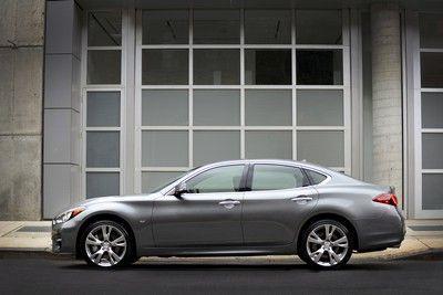 new infiniti q70 range q70 premium 2 2 diesel or 3 5 hybrid rh pinterest com au