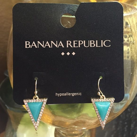 ☘ BananaRepublic Dangling Earrings Worn many times, BananaRepublic Dangling Earrings Banana Republic Jewelry Earrings