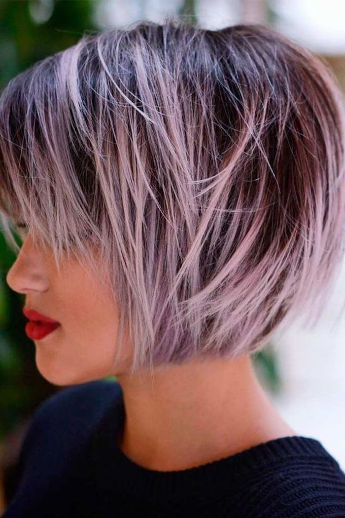 coole frisuren, bob frisur, moderne damenfrisuren, lila strähne