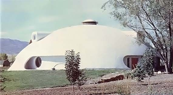 A foam dome home green homes concrete floor tiny for Foam concrete house construction