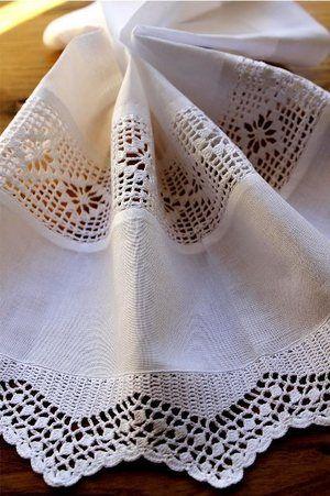 brise bise crochet 45 x 35 cm lilie rose d co deco pinterest brise roses et crochet. Black Bedroom Furniture Sets. Home Design Ideas