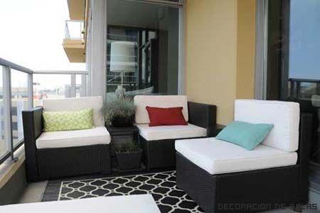 muebles de balcon   de madera envejecida de mimbre o los muebles de ...