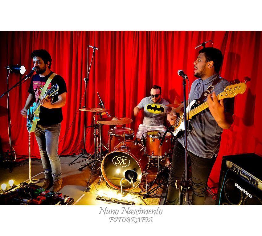 Banda Ronco (Projeto Home Pocket Clipoems Rock by Arthur Caria)  #rock #music #musica  #bahia  #cor #colour #color #art #salvador #estudiocasarao #bahia  #igersbahia #baianidadenagô_ #worldingram  #worldingram #jardimdetalentos #talentosfotográficosdoig #igers #igersbrasil #shooting #ig_brasil #like4like #ig_bahia #talentedpeopleinc by nunno778