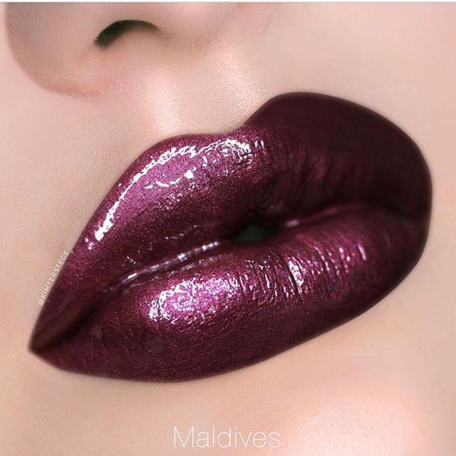 32 Fashionable Lipstick Makeup Ideas To Try - Dark purple lips , lip makeup #makeup #lipstick #lipmakeup
