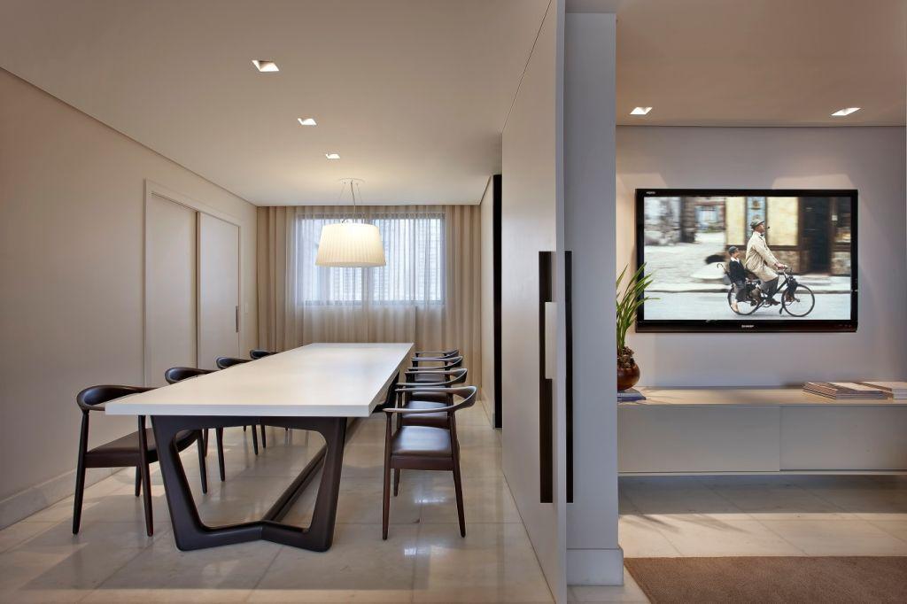 Apartamento Ed. San Lorenzo / Andrea Fragoso e Tina Filizzola #dining #lighting #decor