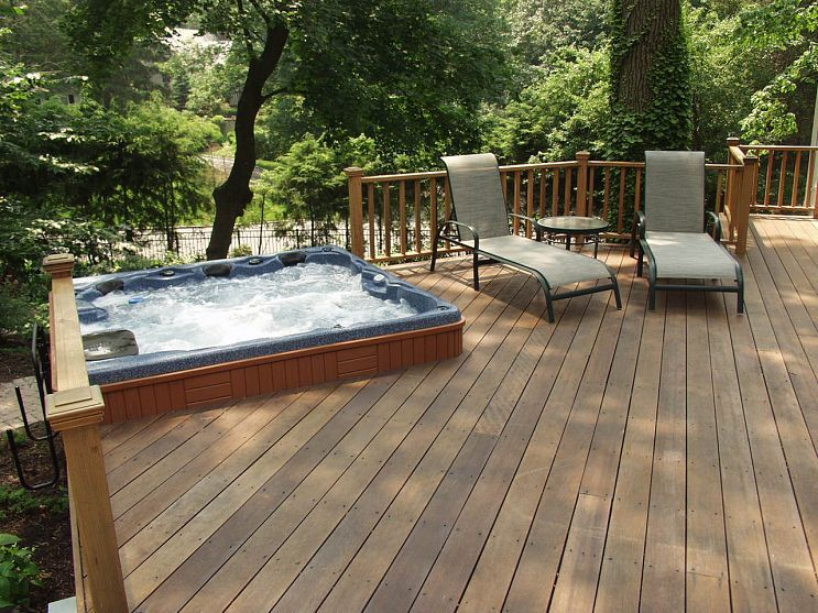 Do You Like Hot Tubs On A Deck Or Built In Hot Tub Patio Hot Tub Deck Hot Tub Deck Design