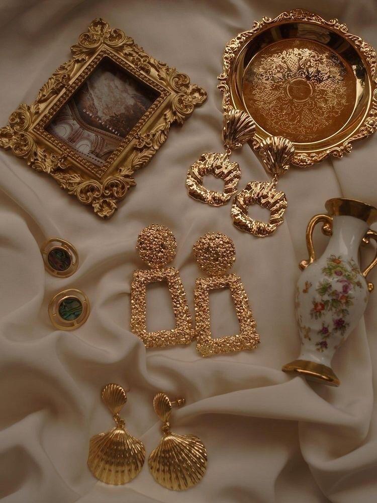 حياة كلاسيك Art Earrings Gold Aesthetic Beige Aesthetic