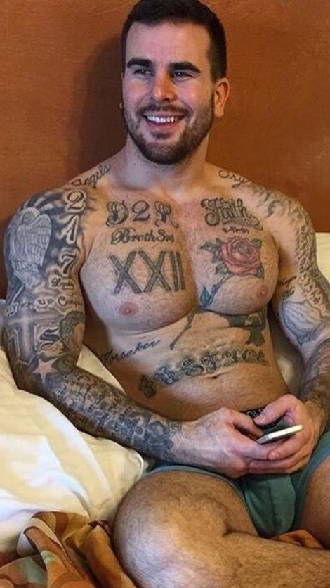 Muscle Gay Dude Savages Tattoed Guy