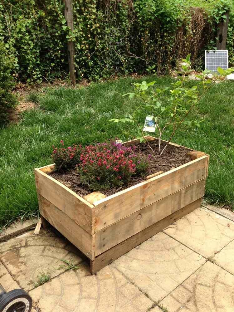 Jardini re en palette pour int rieur et pour ext rieur - Fabriquer une jardiniere en bois de palette ...