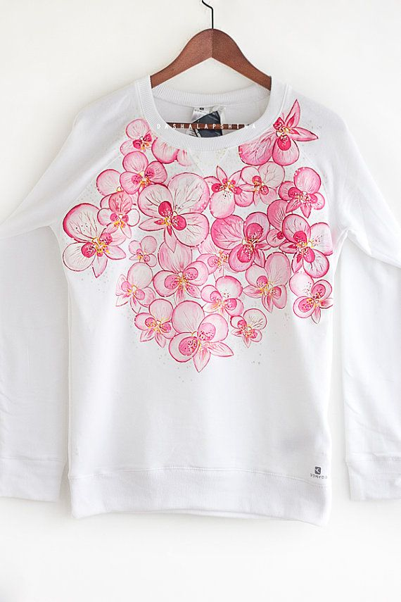 Image by Shutterstock Big Beautiful White Orchid  Women/'s Tee