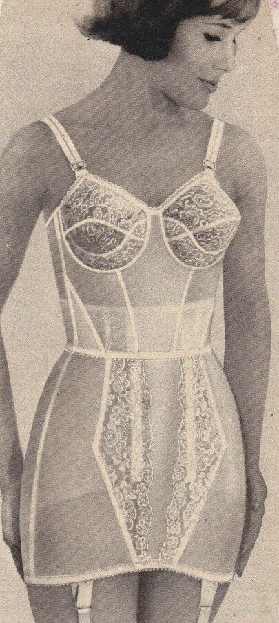 5518fbfbc3 This longline bra has good overlap with her girdle just like my mom liked