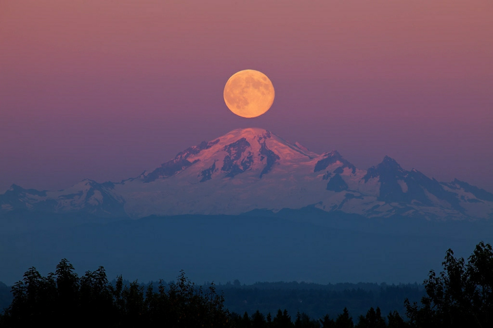 Landscape Mountain Sunset Moon Apinting Google Search Mountain Sunset Beautiful Moon Scenery