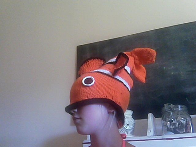 Nemo hat ! Pattern by Thelma Egberts One fin is smaller than the ...