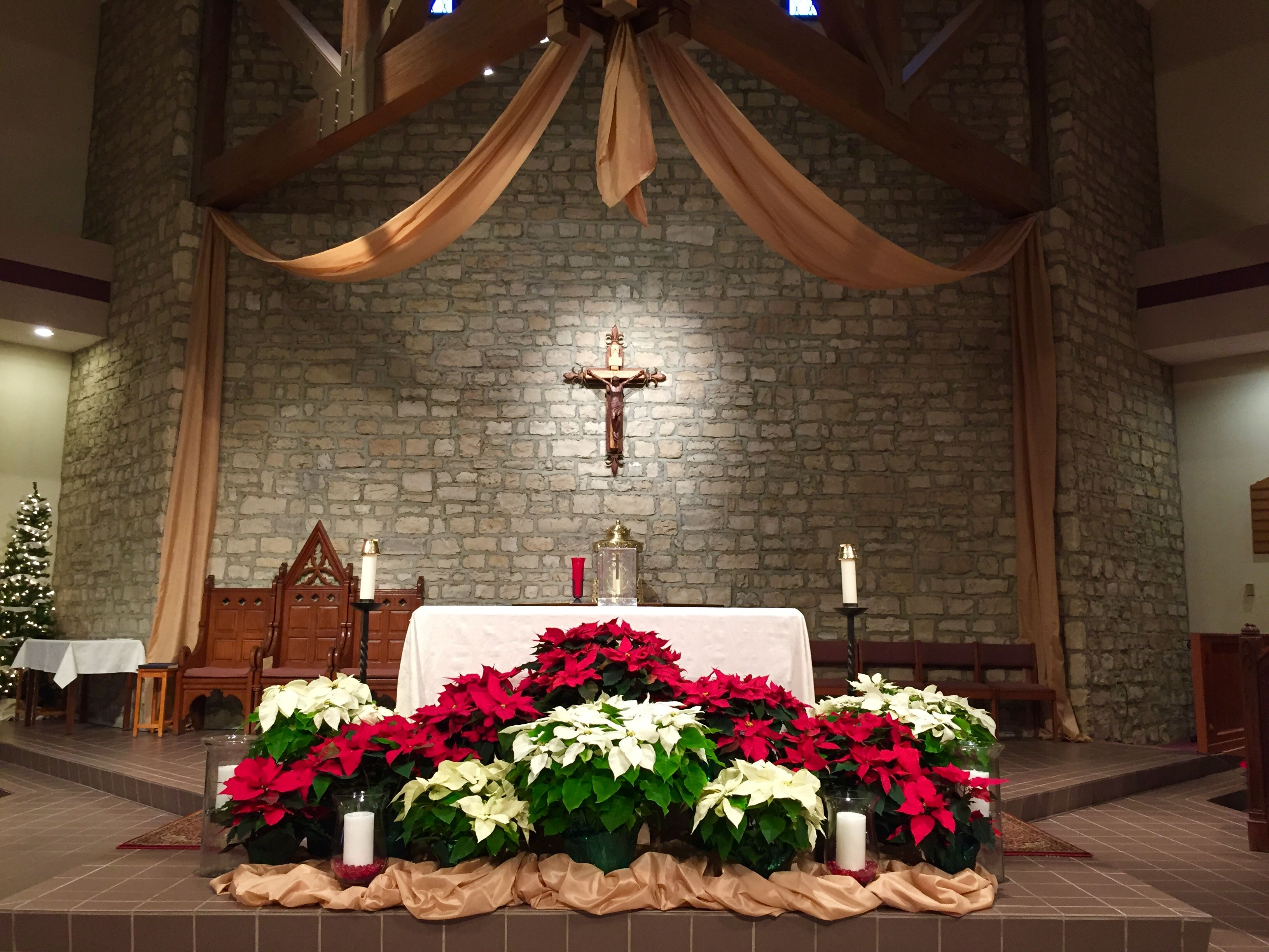 St Joan Of Arc Catholic Church Powell OH Christmas Decorations 2014