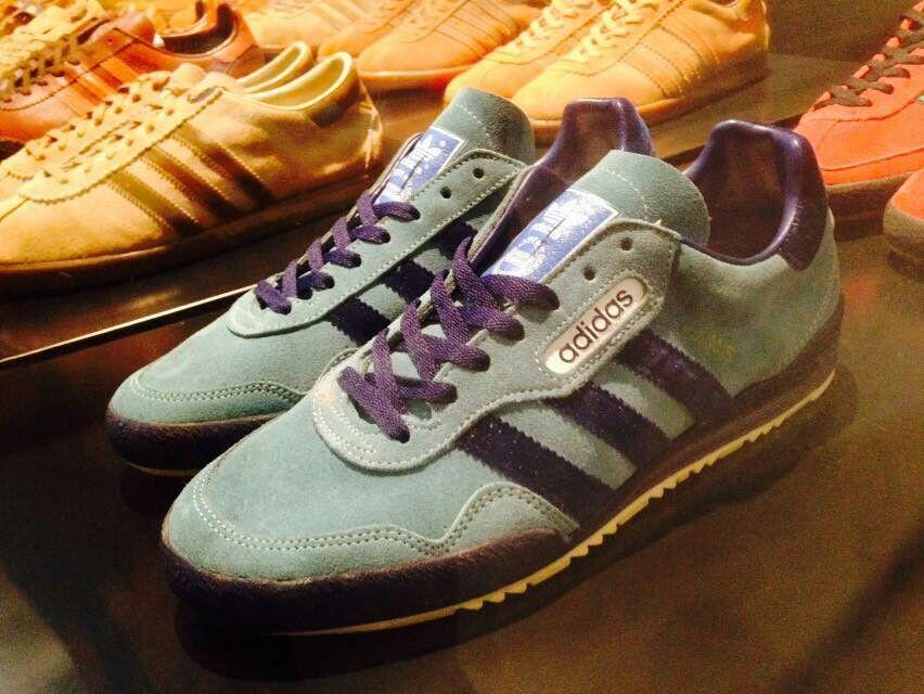Jeans 2 lanzado en 1987 Adidas y zapatillas me encanta Pinterest