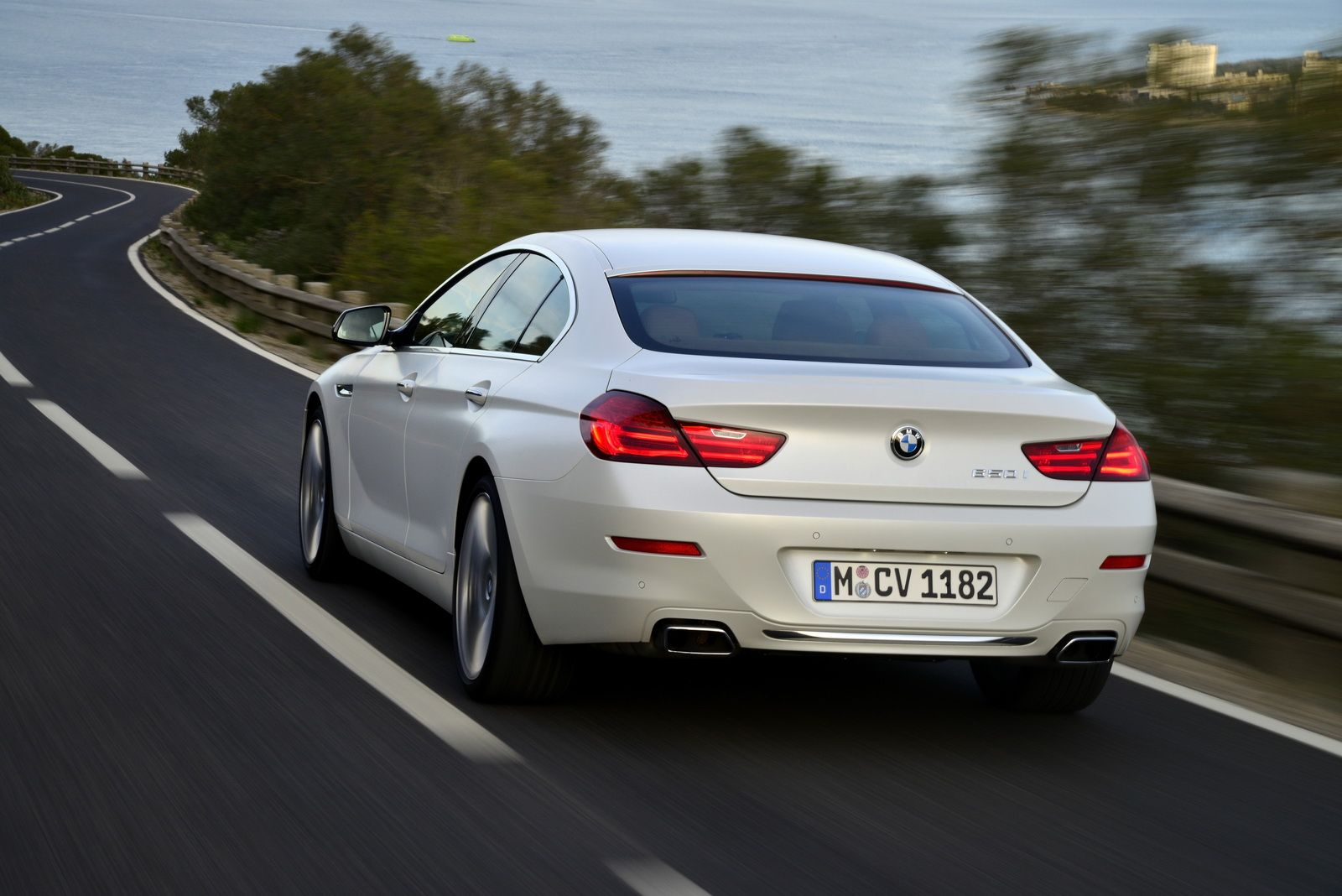 Bmw Drops More Photos Of The Updated 6 Series 216 Hd Pics Carscoops Bmw 6 Series Bmw Gran Coupe