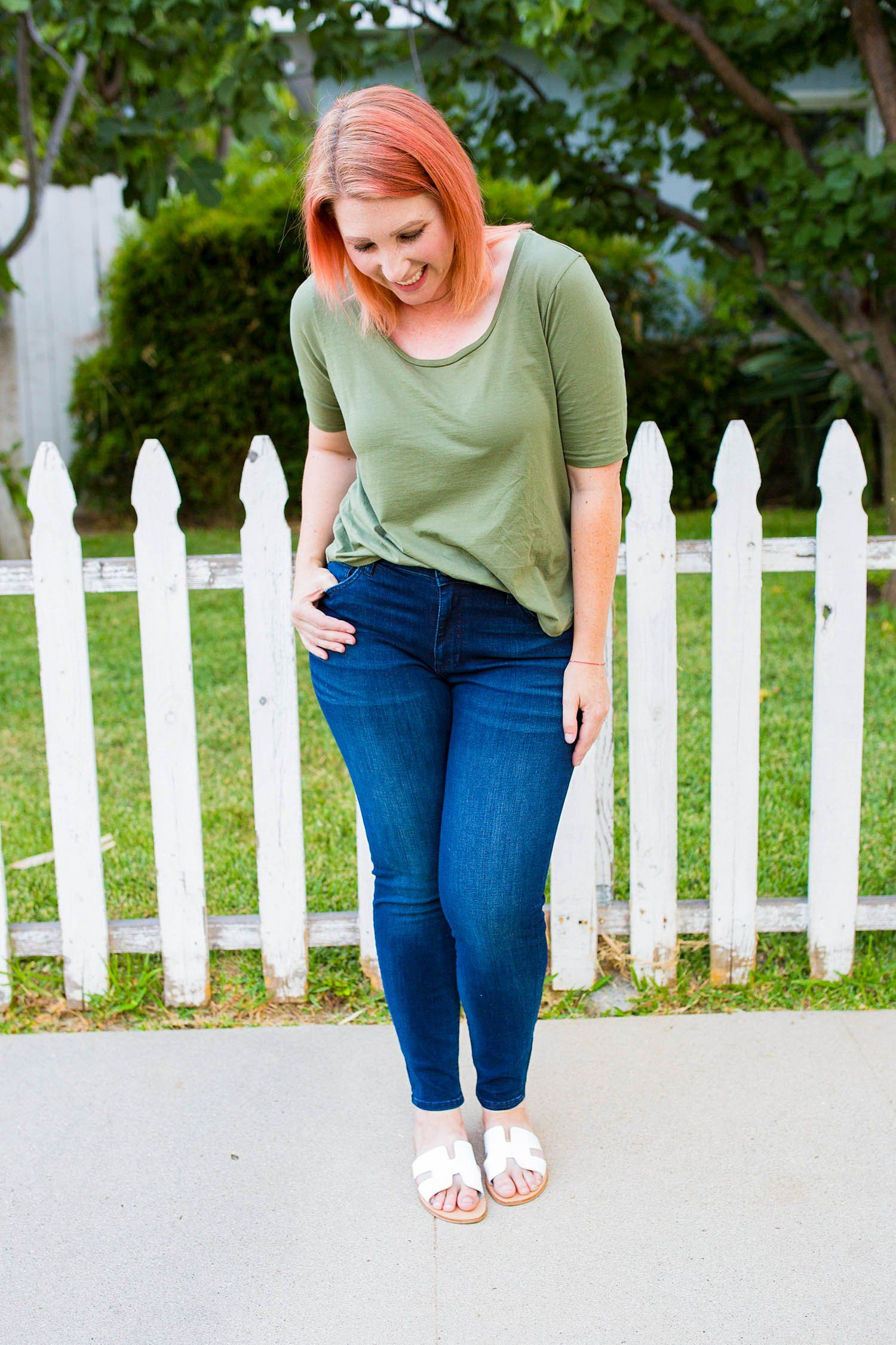 bfaed205a4a8 If you're on the hunt for basic dark blue jeans for a pear shaped body,  these are PERFECTION!