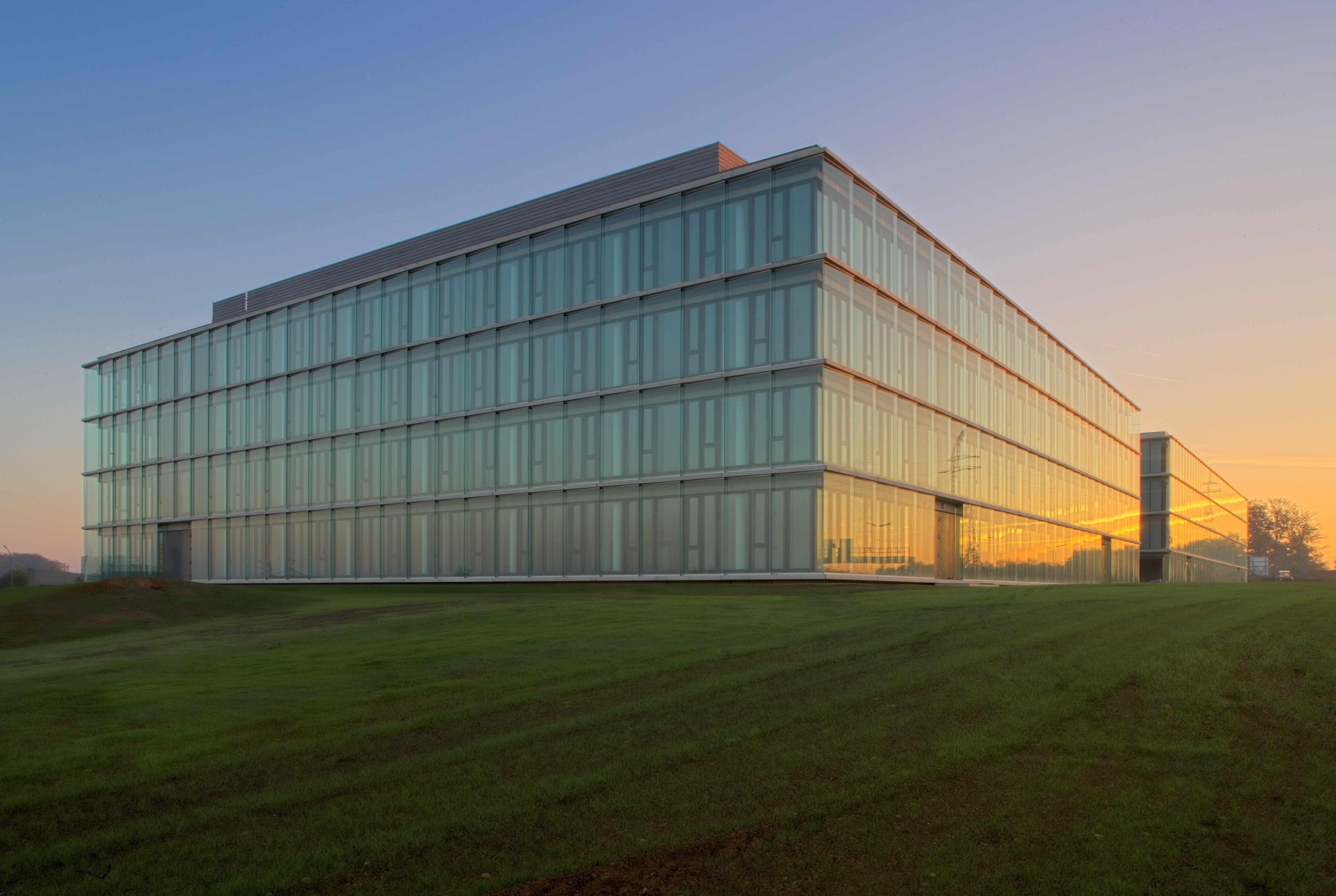 Architekten Luxemburg h2o howald heights offices luxemburg office block on the motorway