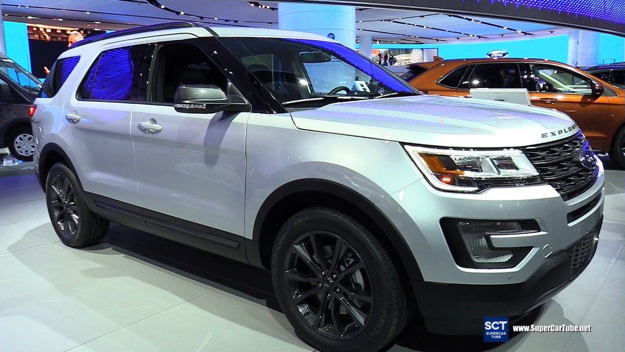 2017 Ford Explorer XLT 4WD Exterior and Interior