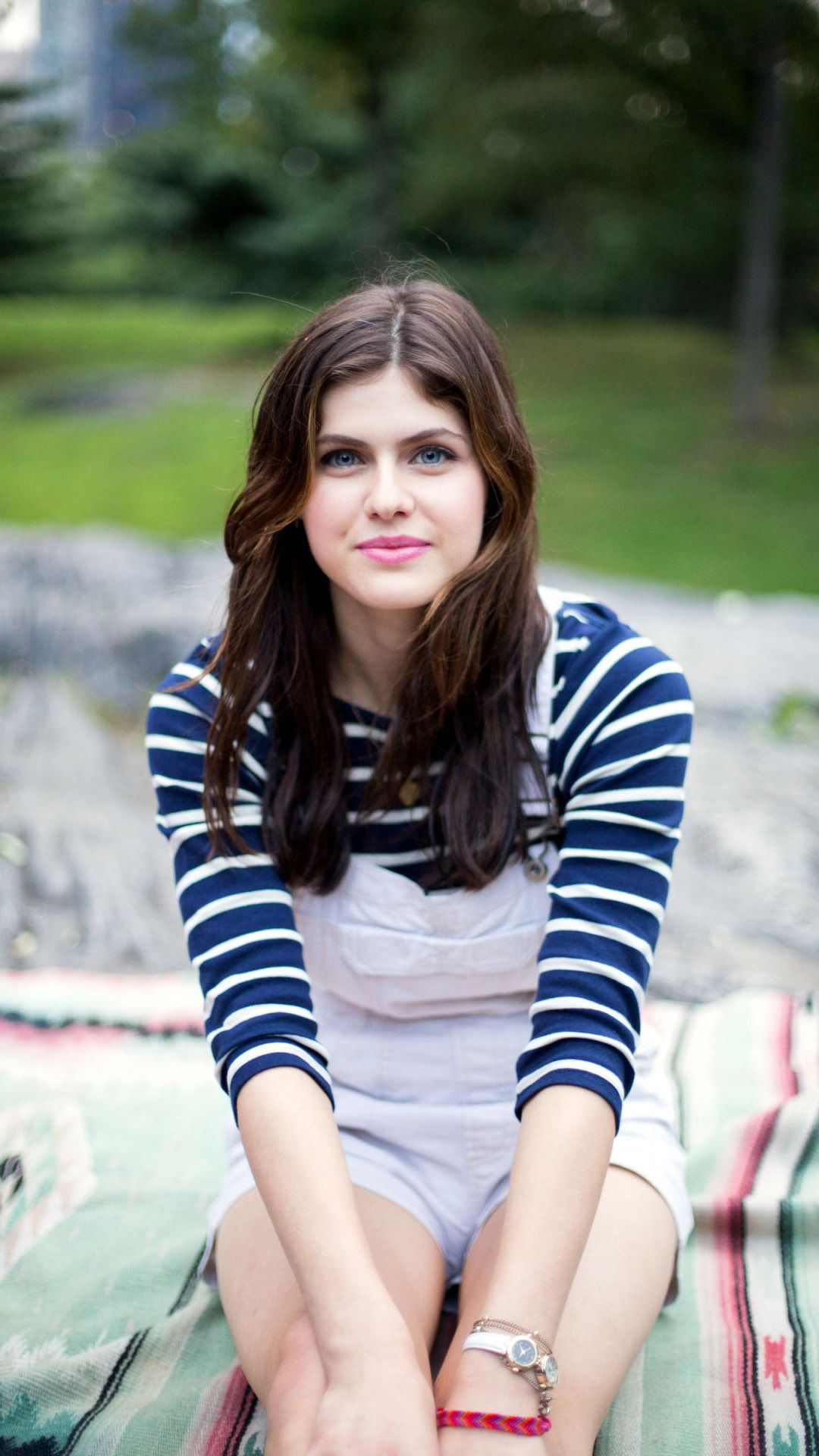 Alexandra Daddario HD Wallpapers High Definition Free Background