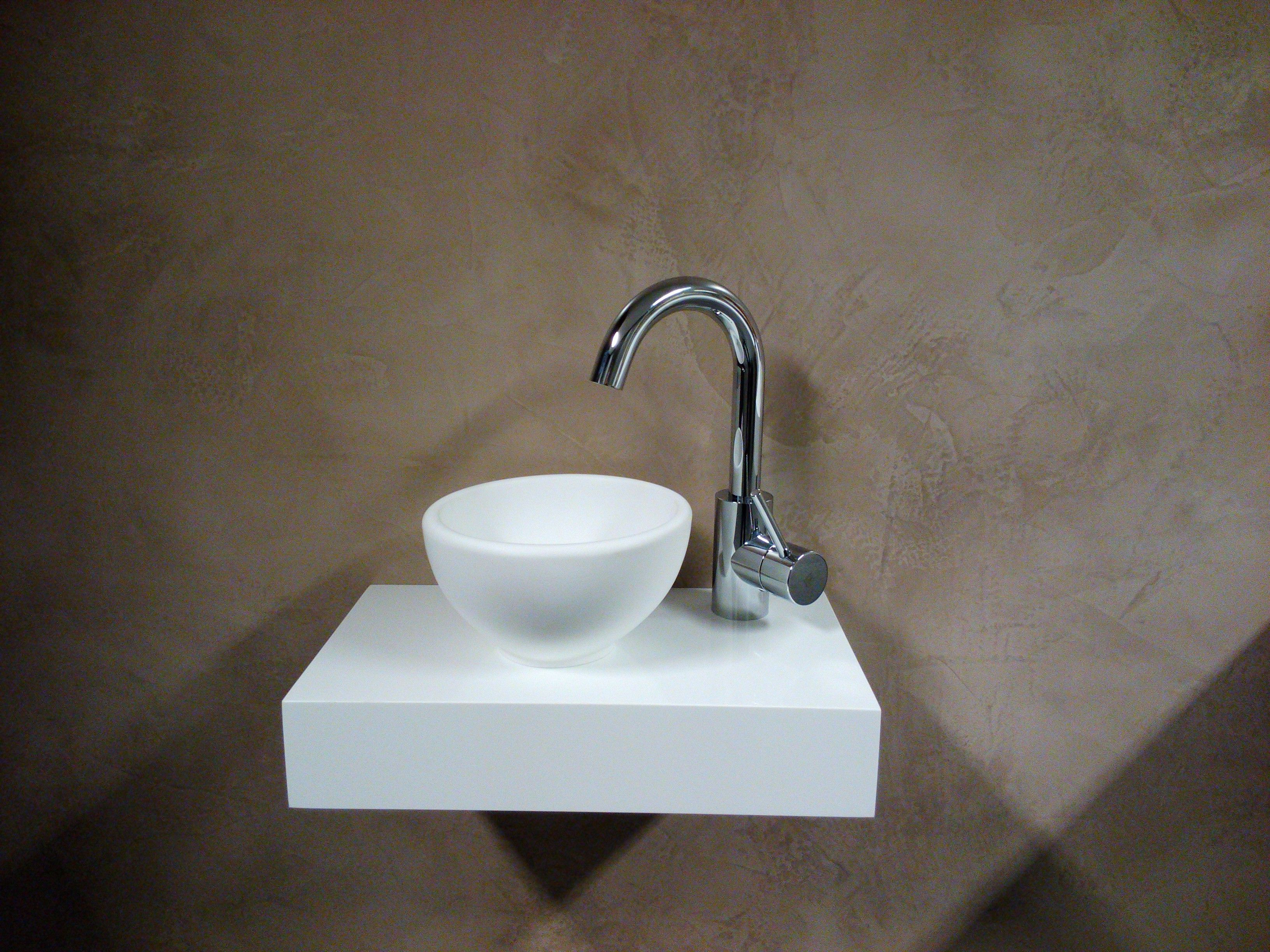 Kleine Waskom Toilet : Solid surface waskom u ac badkamer boven