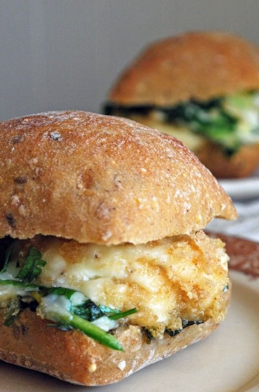 Cheesy Spinach Baked Egg Sandwich