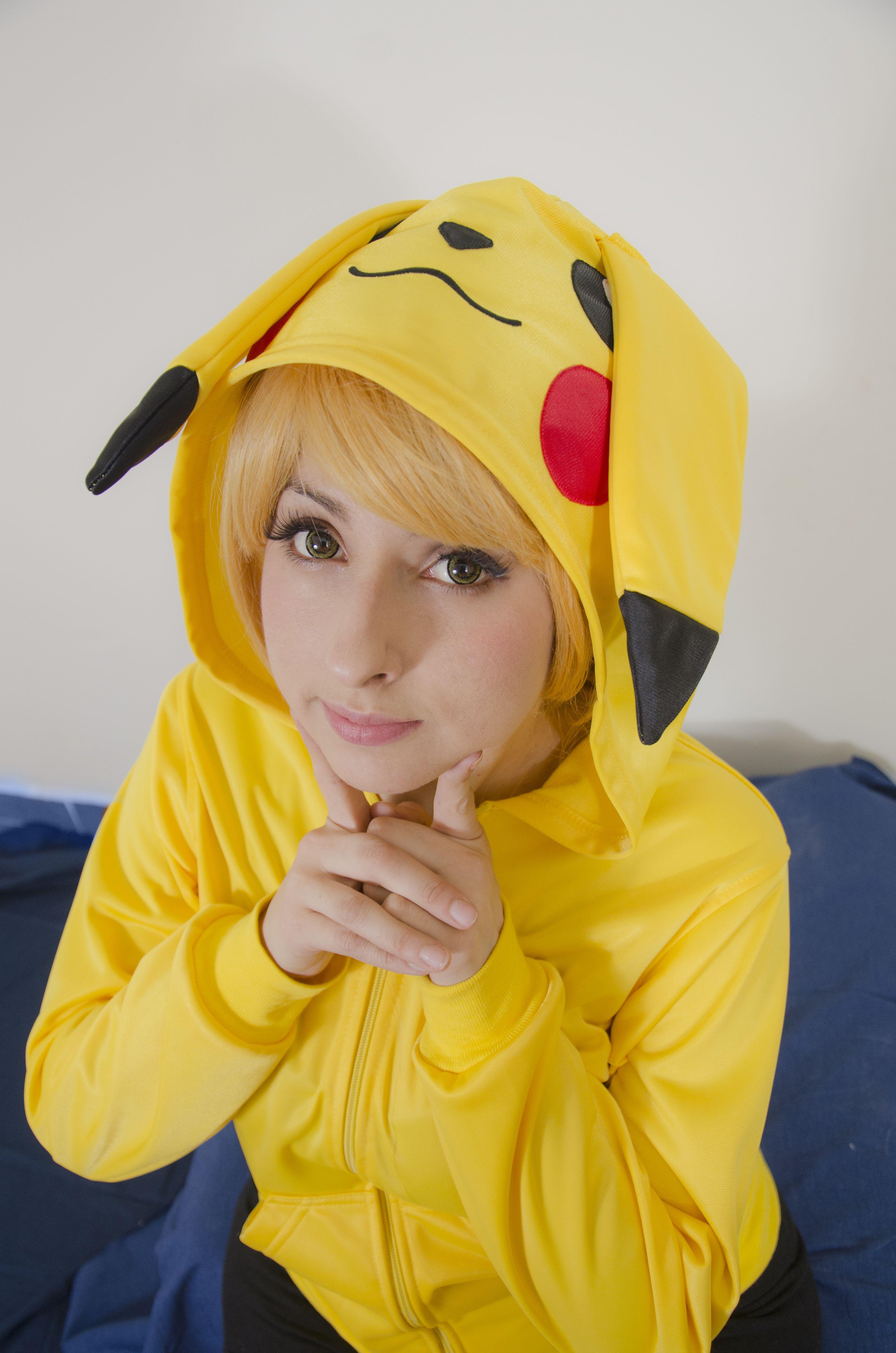 Chamarra Pikachu. www.facebook.com/FANZonaZ www.kichink.com/stores/zonazombiejulrod