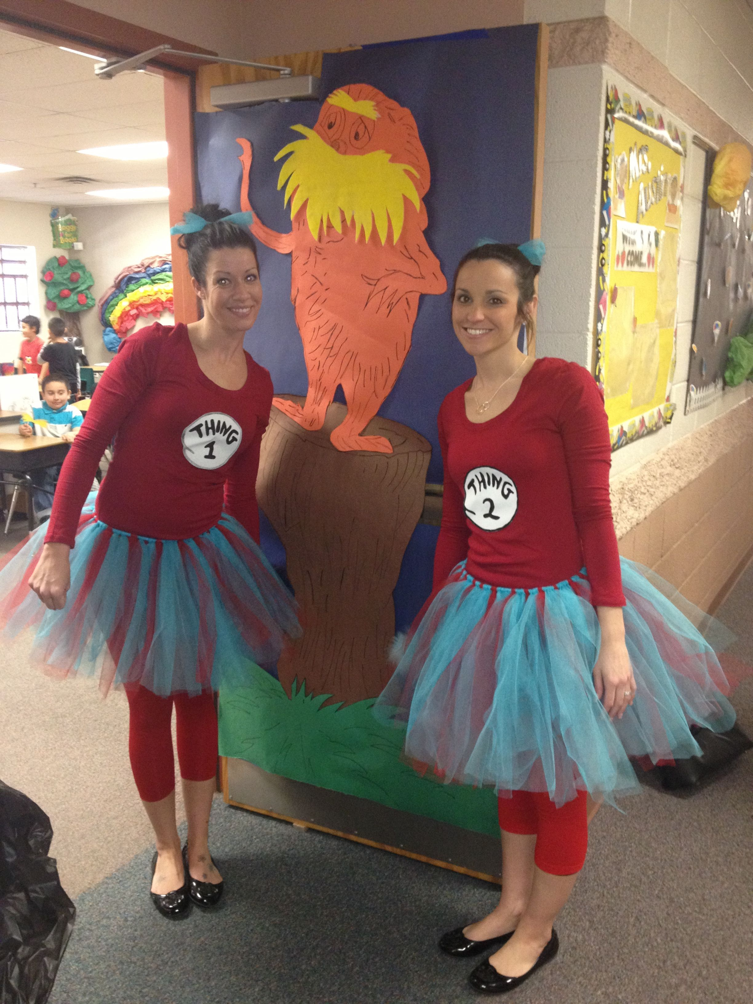 Thing 1 and thing 2 read across america pinterest dr seuss thing 1 and thing 2 solutioingenieria Choice Image