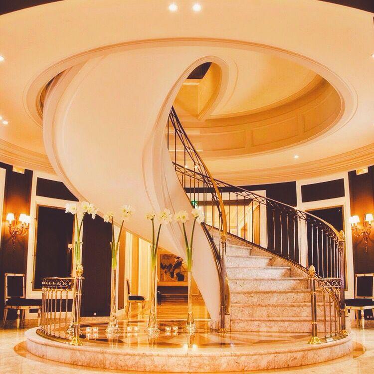 Pin de GlamFashionLuxe en D e c o r | Pinterest | Escalera y Interiores