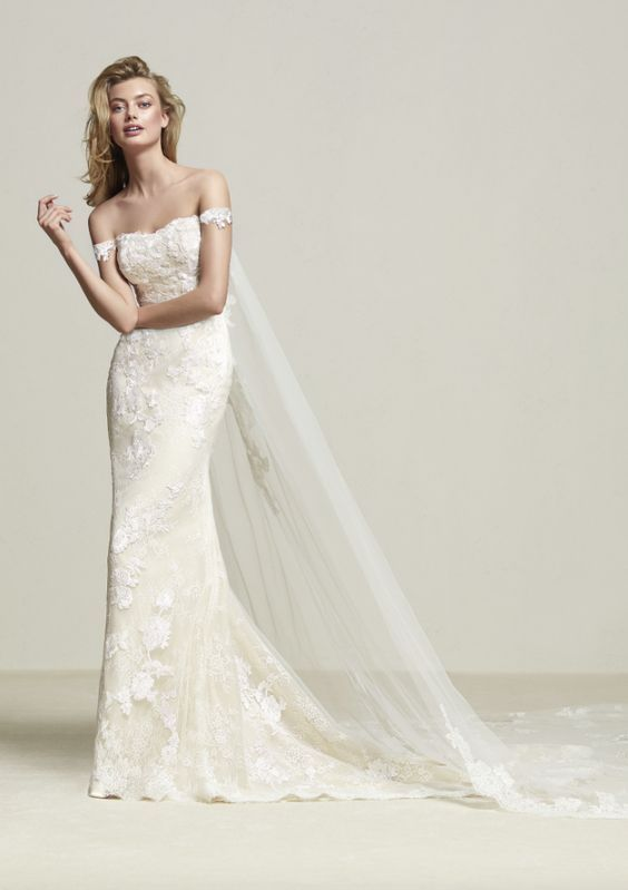 Wedding Dress Inspiration - Pronovias | Hochzeitskleider, Brautkleid ...