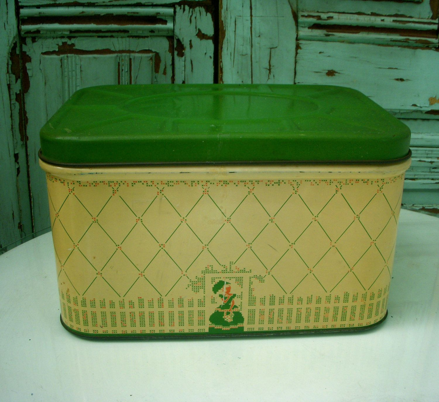 50 S Tin Vintage Bread Box Cottage Chic By Honeystreasures Vintage Bread Boxes