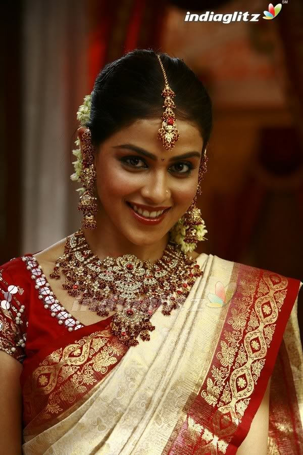 Image Detail For And South Indian Actress Genelia With Bridal Jewellery