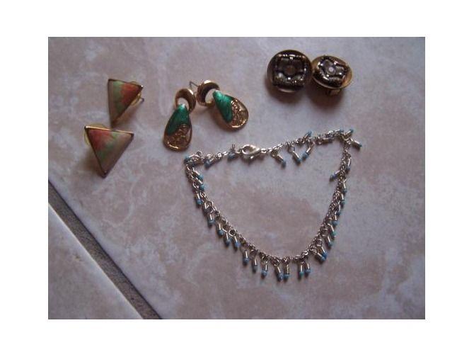 beautiful silver bracelet and 3 pair of vintage earrings nice lot $8.60
