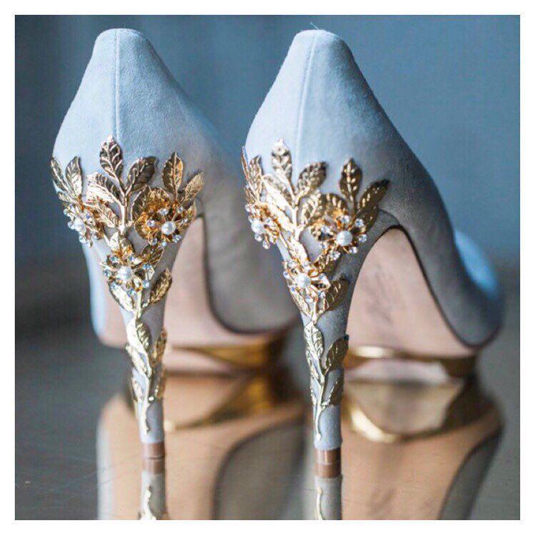 Na Punkcie Zdobionych Obcasow Oszalala Juz Spora Grupa Panien Mlodych Zlote Srebrne Czy Wyklejone Wedding Guest Shoes Glitter Wedding Shoes Bridal Shoes
