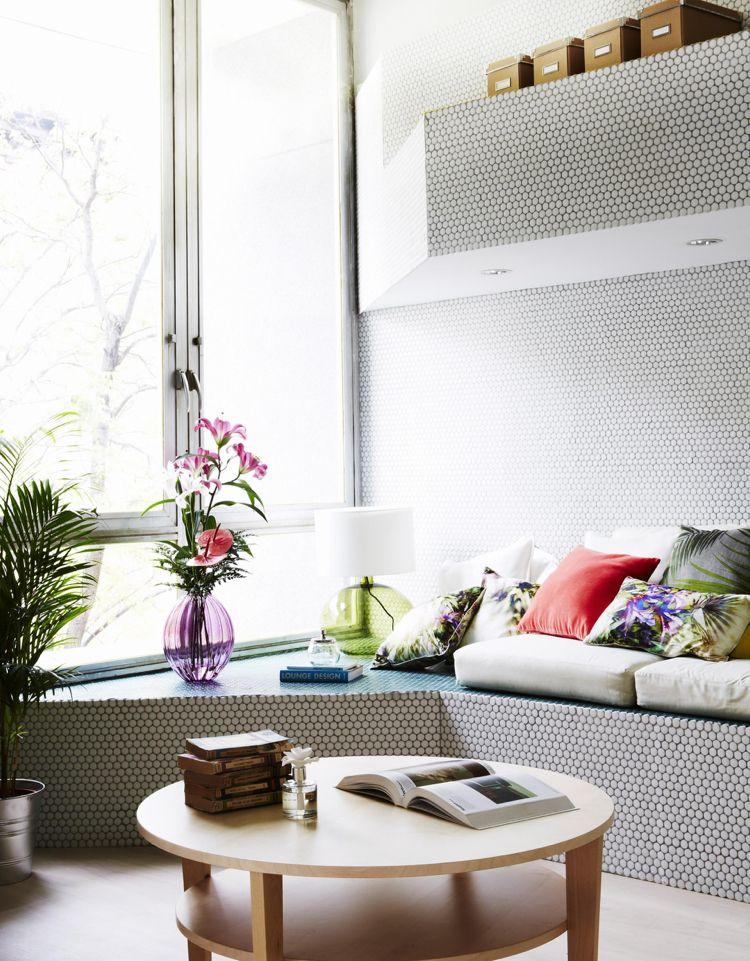 Photo of Mosaik Wandgestaltung im Wohnraum – Kleinwohnung in Madrid #tapeten #jedemraum…