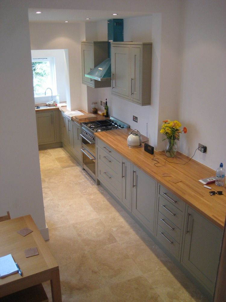 Best Good Contrast Between The Oak Workup And The Grey Units 400 x 300